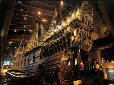 Regalskeppet Vasa, som b‰rgades frÂn Stockholms havsbotten efter 333 Âr. - The Vasa Warship was salvaged from the depths of the sea after 333 years.