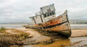 shipwreck-2096945_640