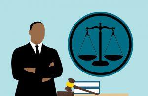 lawyer-3819044_640