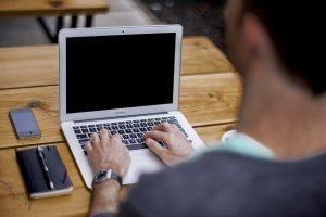 blogging-336375_640