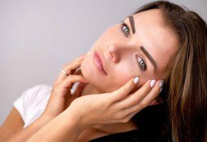4 pielęgnacyjne błędy, przez które twoja skóra starzeje się szybciej